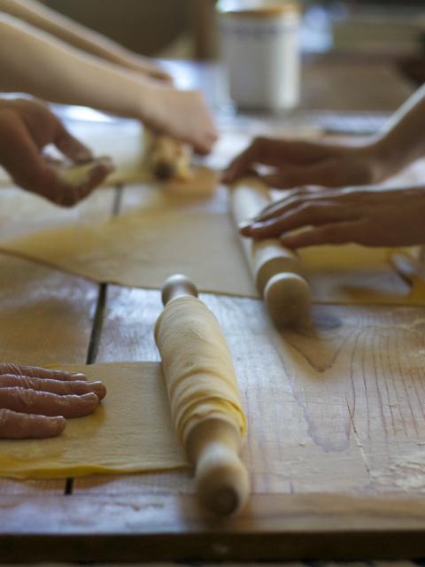 Fettuccine, ricotta, salvia e aglio orsino