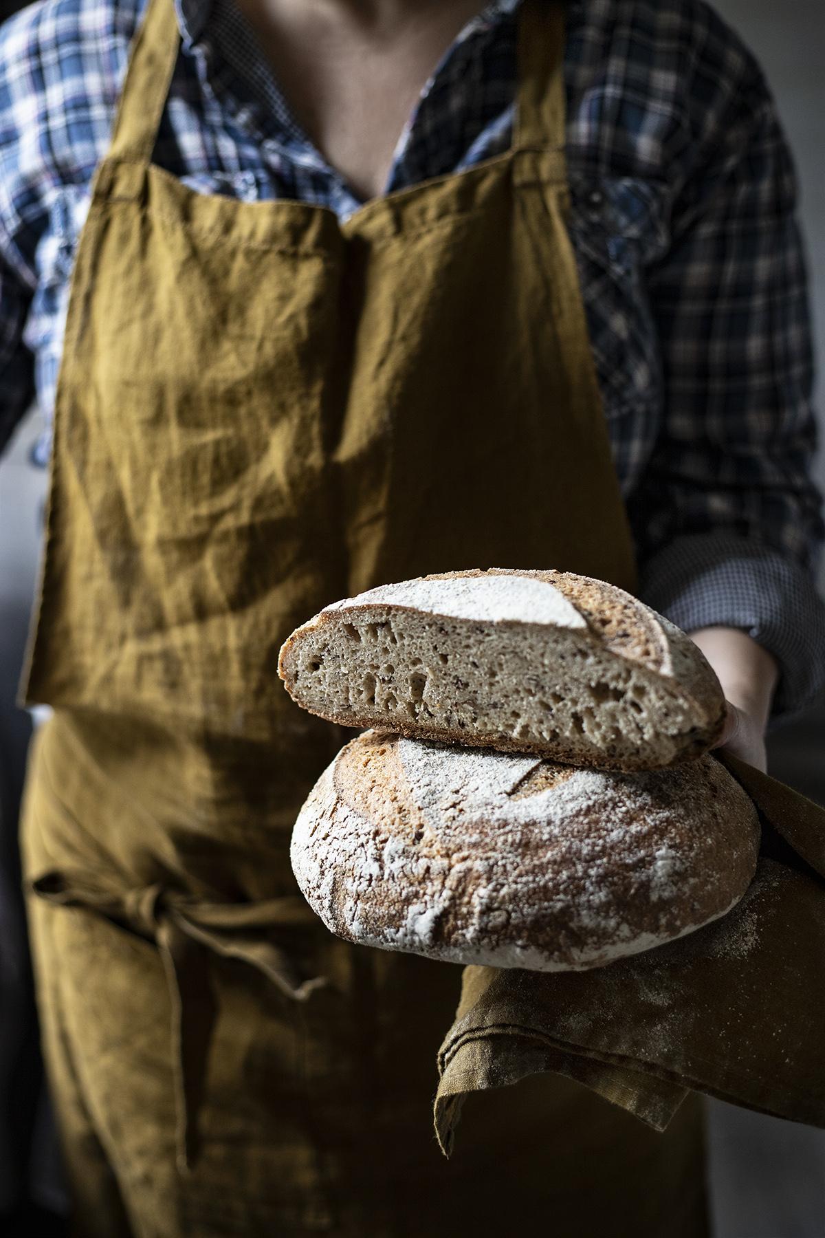 autoritratto con pane