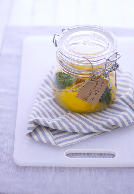 limoni confit in salamoia