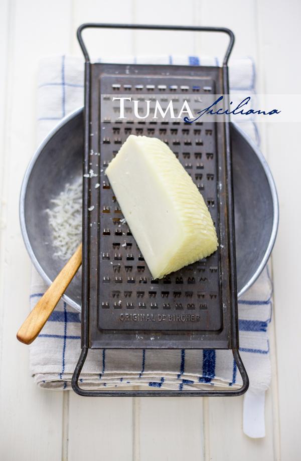 Pasta al forno con melanzane e tuma siciliana